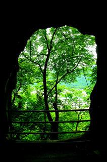 24 楯岩トンネル途中窓.JPG